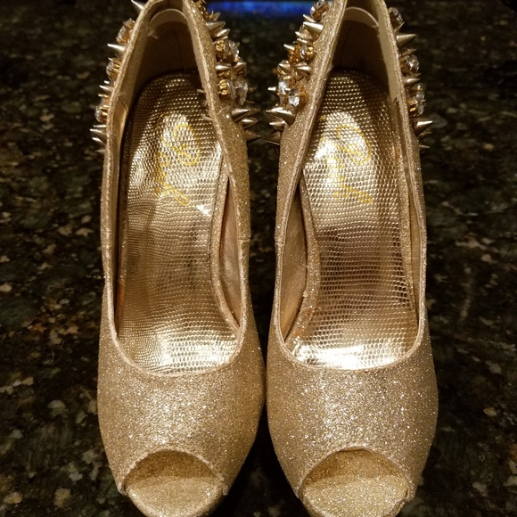 Posh Shoes - Gold glittery spiked heels